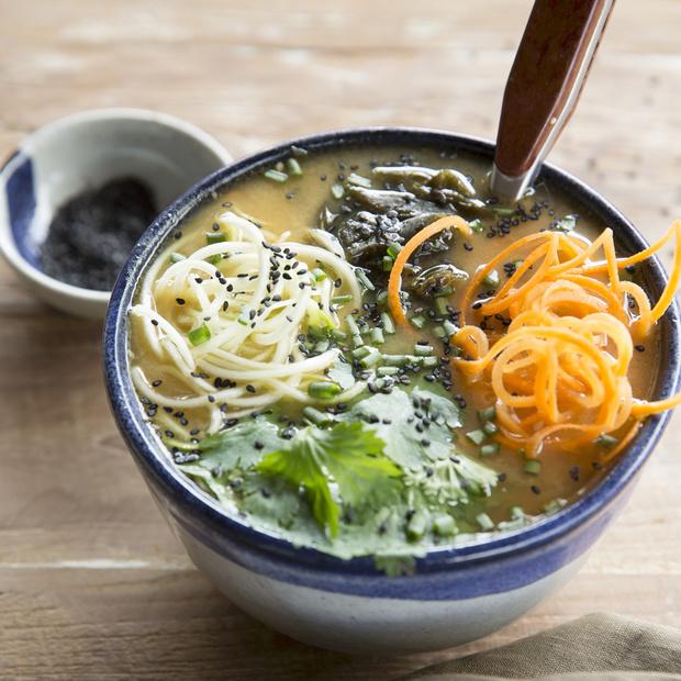 Une recette végétarienne par jour | 5 - Soupe Miso au sésame noir