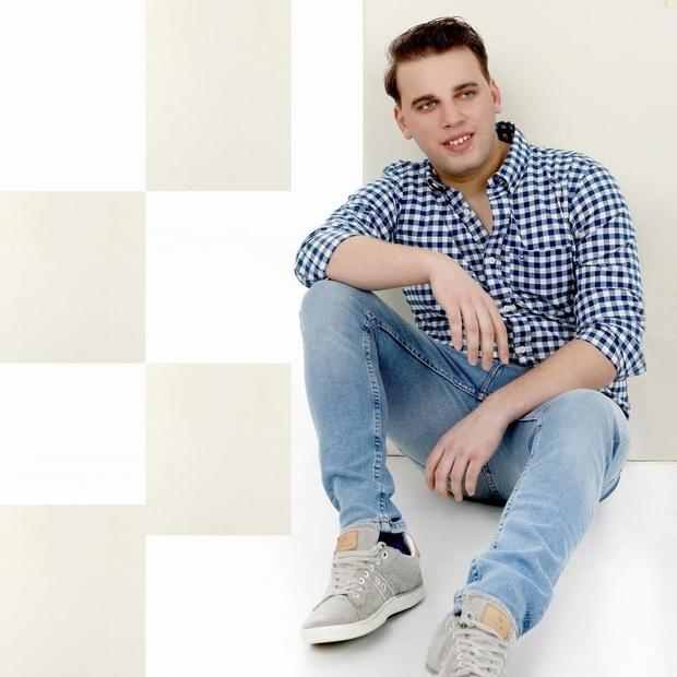 Nathan de Clerck zingt met succes 'Roze Wolk'