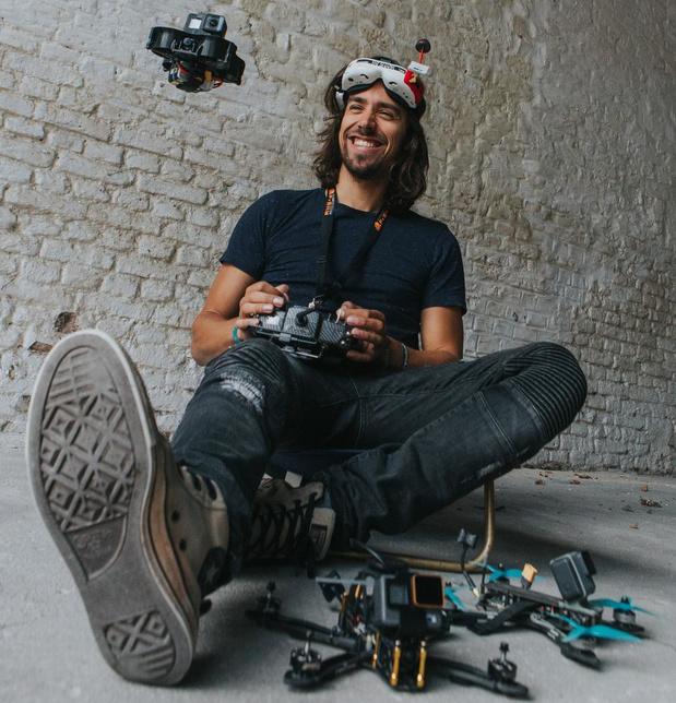 Kleine drones maken unieke beelden van Ieperse kathedraal en museum