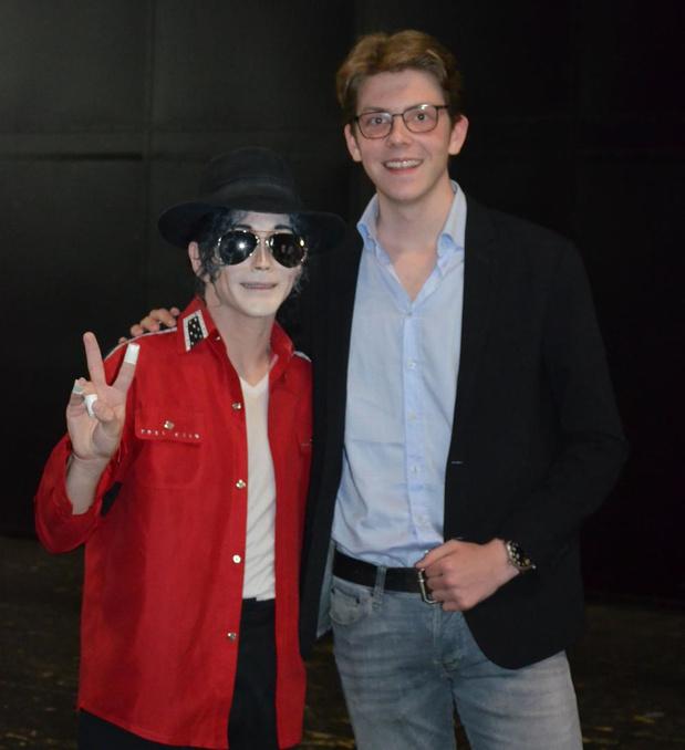 Mervyn Jackson uit Oostkamp ontmoet bekende Michael Jackson-imitator Ben Bowman in Antwerpen