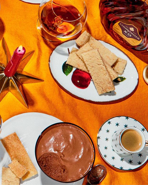 Dessert: Mousse au chocolat et sablés à la cardamome