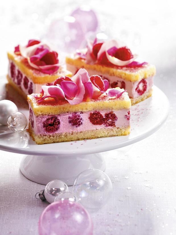 Frambozenstronkjes met rozenblaadjes (voor 4 personen)