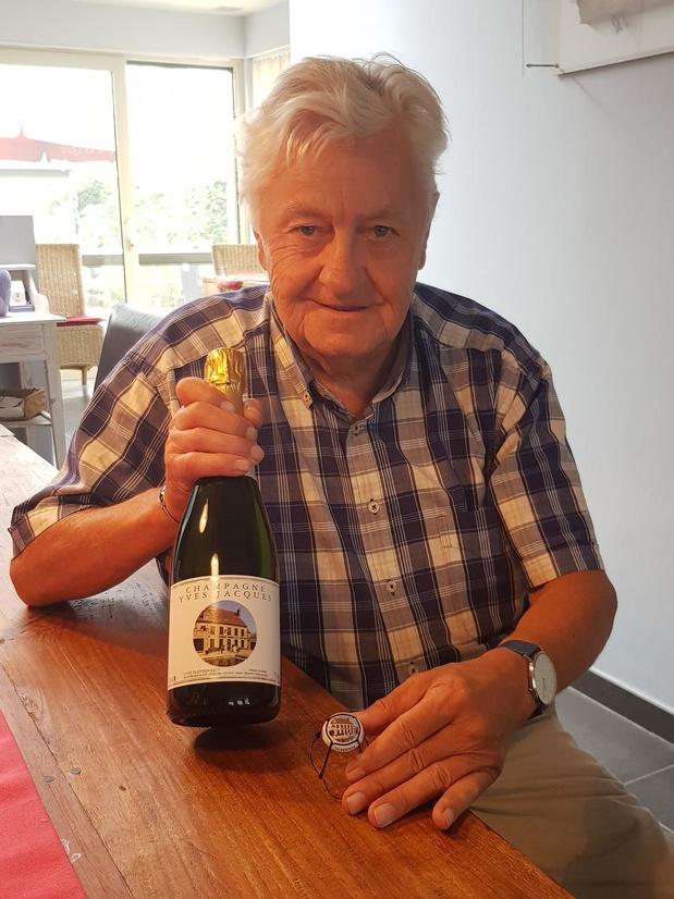De Oude Abdij vereeuwigd op champagne van Lionel Hennebel