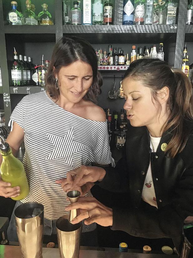 On a testé: devenir barmaid ès cocktails