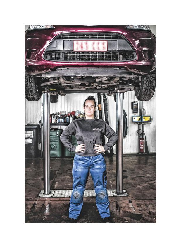 Automonteurs klappen uit de biecht: 'De job is wat minder romantisch geworden, ja'