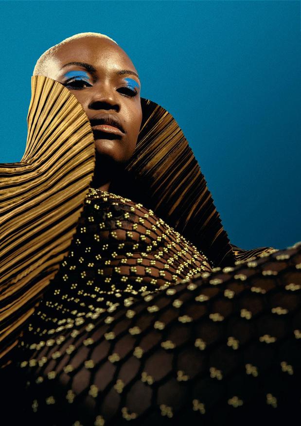 Elf jaar nadat ze 'Wegue Wegue' inzong, is het tijd om deze zangeres echt te leren kennen