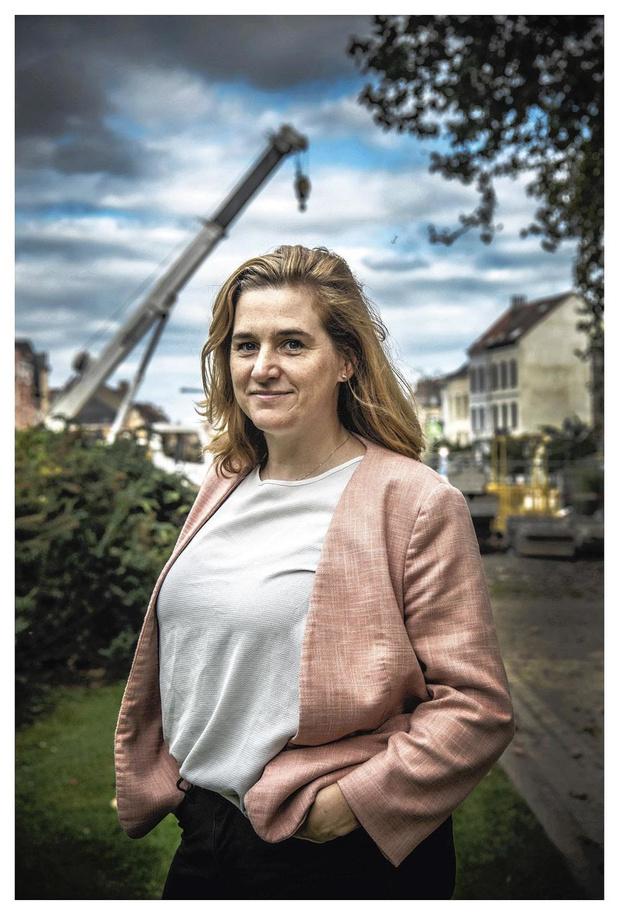 """Elke Van den Brandt, ministre de la Mobilité de la Région de Bruxelles-Capitale (Groen): """"Si le nombre de voitures diminue de 20%, les embouteillages disparaîtront"""""""