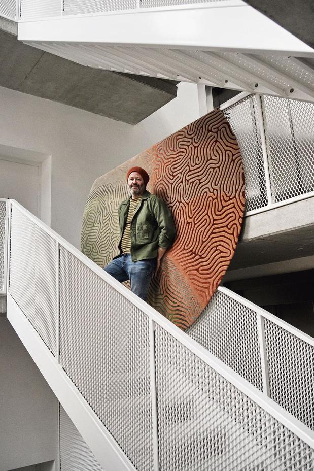 En images: visite du loft bruxellois du designer britannique Michael Young