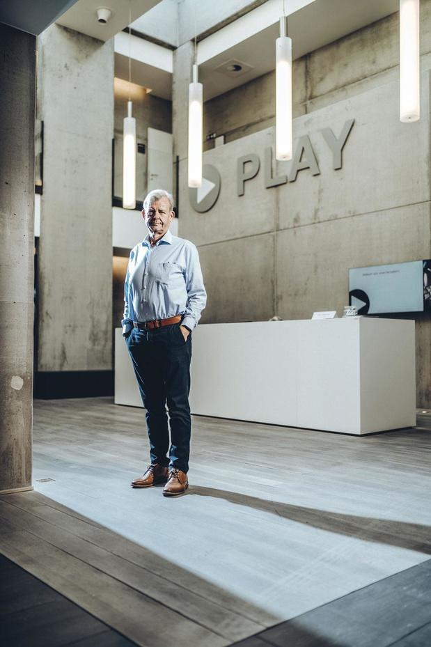Play AV neemt sectorgenoot Videocenter over