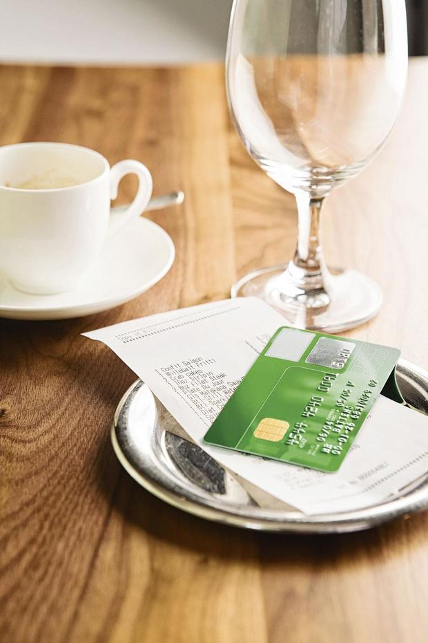Frais professionnels, comptes à l'étranger... En tant que particulier, vous risquez d'être contrôlé par le fisc si...