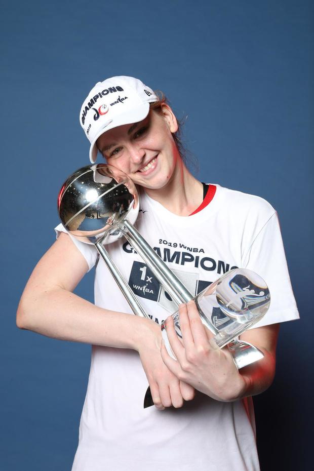 Emma Meesseman vult rijke carrière aan met WNBA-titel