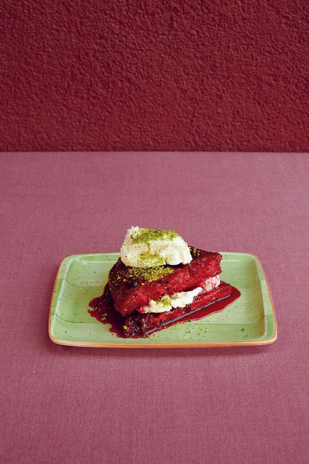 Recette: Pudding de pain aux griottes - visneli ekmek kadayifi