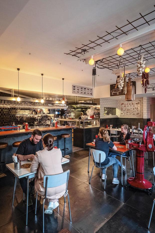 La Boucherie in Gent: een uitzonderlijk warm en hartelijk restaurant met feërieke binnentuin