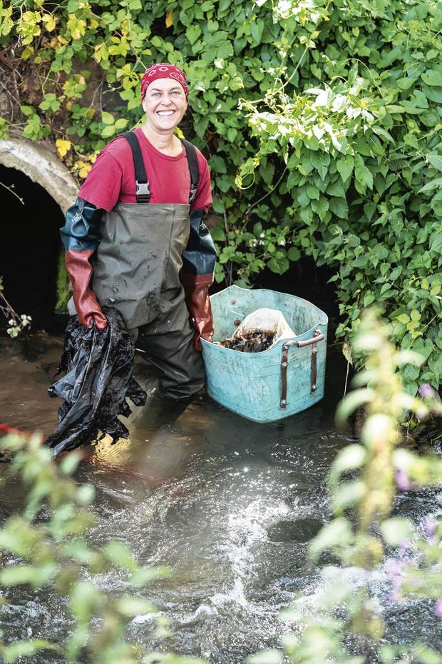 C'est ma vie: Ann-Laure Furnelle nettoie les rivières