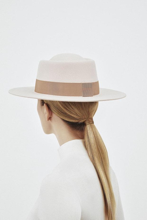 """""""Iedereen staat met een hoed"""""""