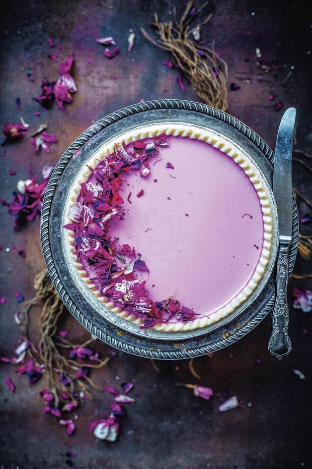 Taart van witte chocolade en rozenwater (voor 6 personen)