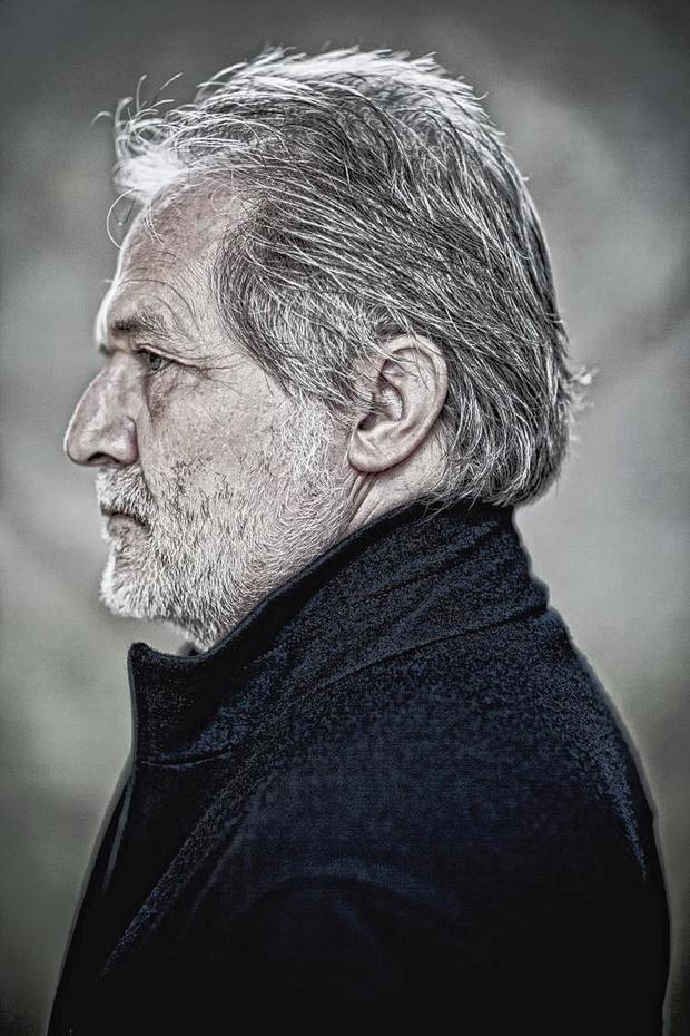 Componist Péter Eötvös dirigeert in België: 'Een Italiaans verhaal met moord, geschreeuw, intrige'