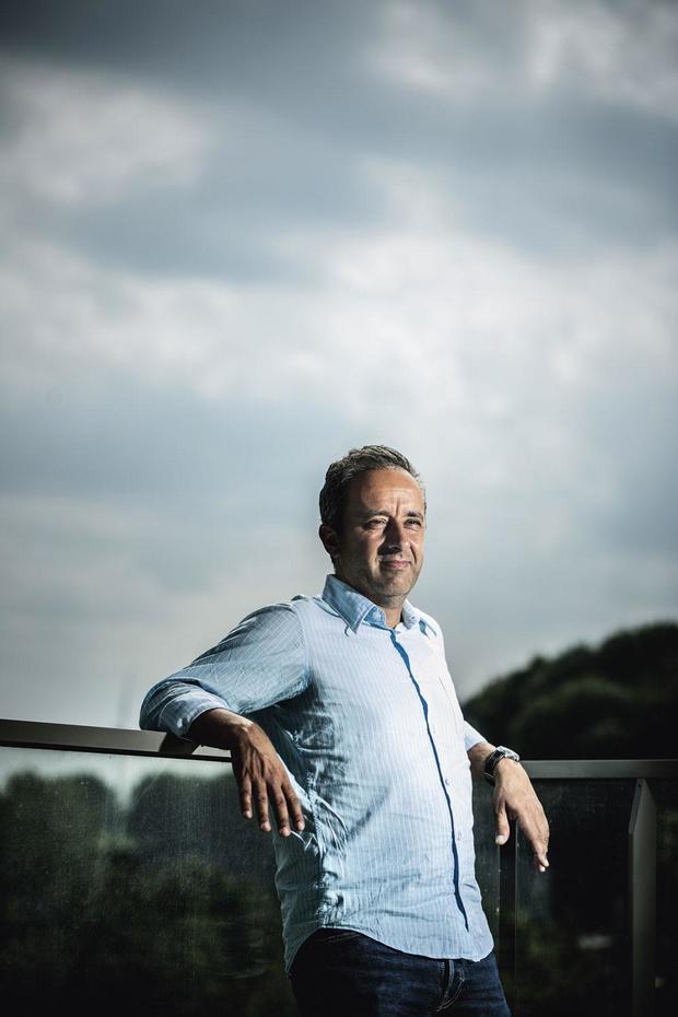 Spoedarts en therapeut Alain Mahjoub over werken en welzijn: 'Ik ben voorstander van het verkorten van de arbeidsduur'