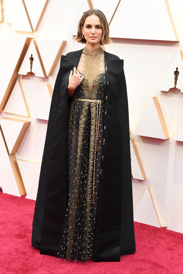 La cape féministe de Natalie Portman aux Oscars