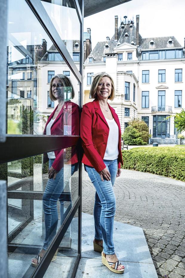 """Pour Eliane Tillieux (PS), """"Namur est loin de pouvoir faire la leçon aux autres"""""""