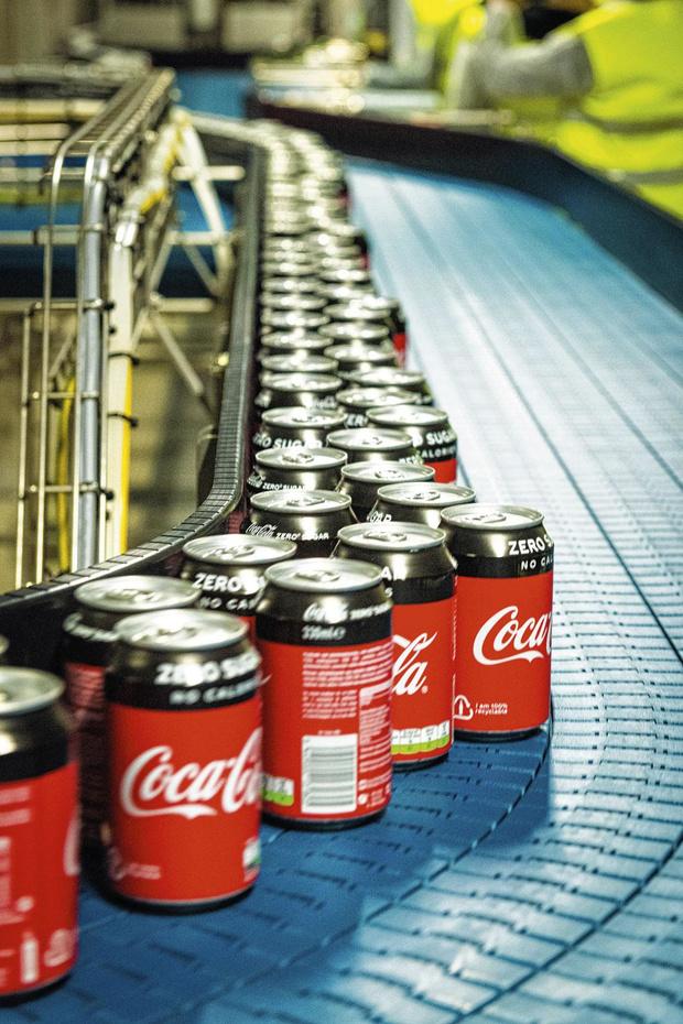 Les canettes de Coca-Cola désormais emballées sous carton