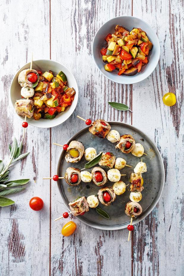 Spiesjes van kalfssaltimbocca en mozzarella (4 personen)
