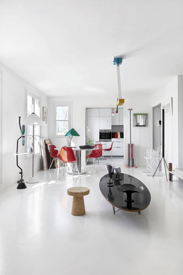 Visite d'un appartement parisien, petit mais habité en famille avec passion