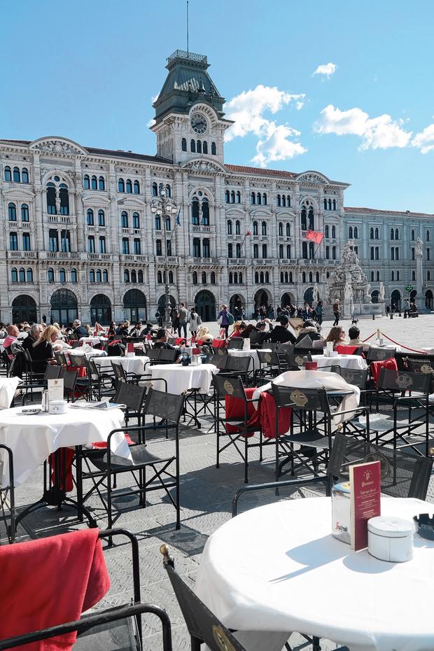 Citytrip à Trieste, sa place, son amphithéâtre, son château et... son café