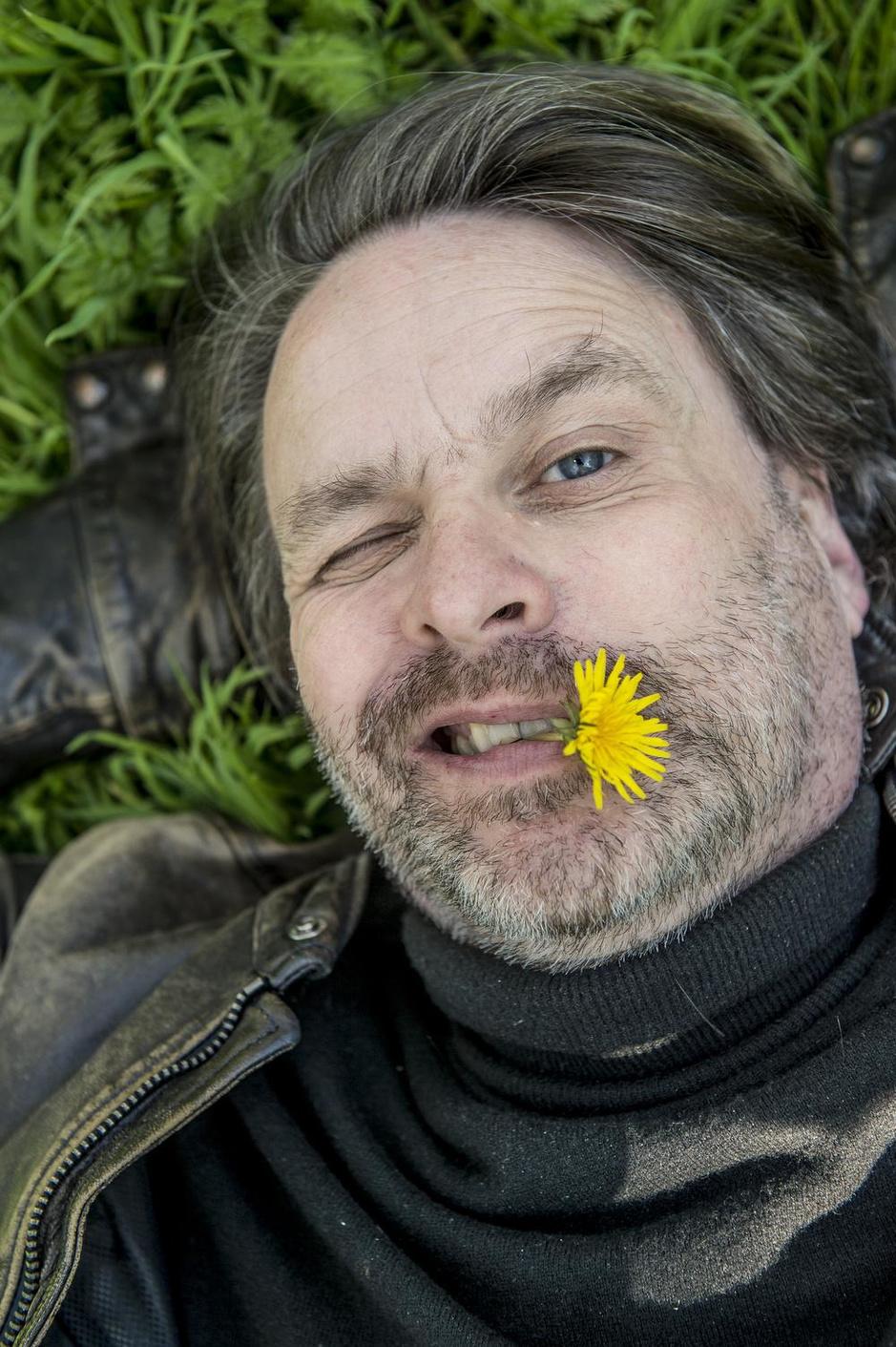 """Komiek Piet De Praitere staat in Den Trap: """"Een overrijpe banaan, maar ik smaak nog lekker"""""""