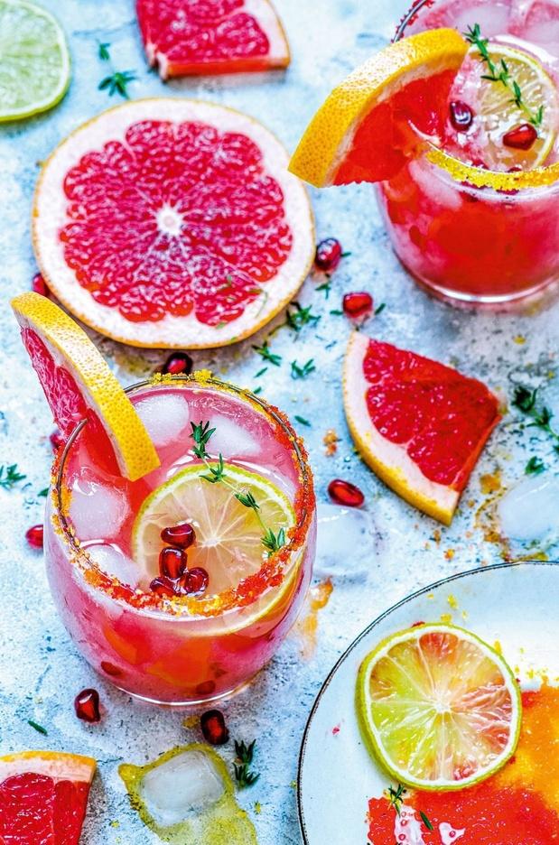 Mocktail van pompelmoes en granaatappel