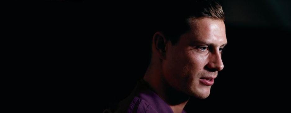 Het bewogen levensverhaal van James Lawrence: 'Bergkamp als coach, toen was de cirkel rond'