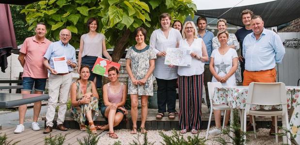Smikkel lanceert zomerkleurwedstrijd bij Kortrijkse familievriendelijke eetgelegenheden