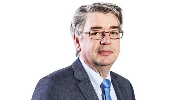Hendrik Vuye (Universiteit Namen): 'Volmachten voor coronacrisis zijn geen probleem, voor budgettair beleid is dat iets anders'