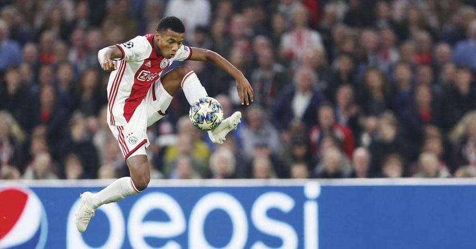 Hoe Ajax het Nederlandse voetbal overstijgt, maar te klein is voor de Europese top