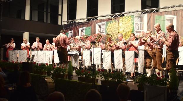 Blaaskapel Die Original Dorfmusikanten uit Pittem sluit feestjaar af met concert