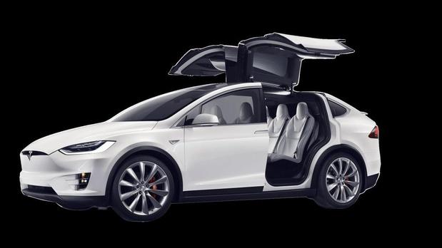 Des systèmes d'infos-loisirs de deuxième main de Tesla contiennent des données d'utilisateurs précédents