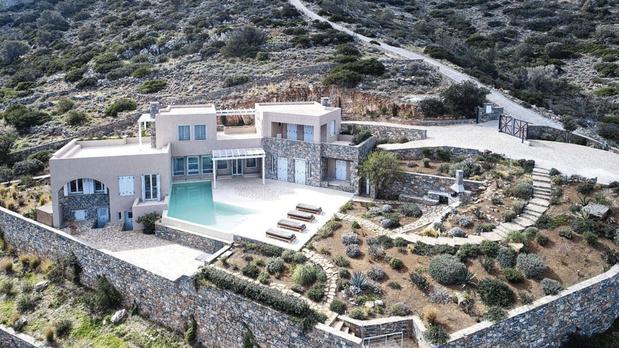 Seconde résidence : où acheter ? Belles îles en mer en Grèce