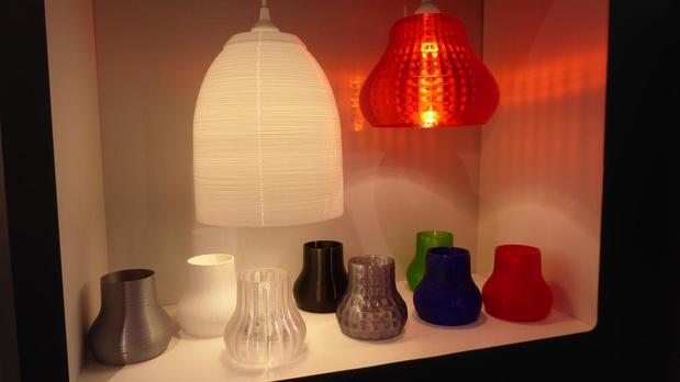 Signify gaat hang- en tafellampen in 3D printen