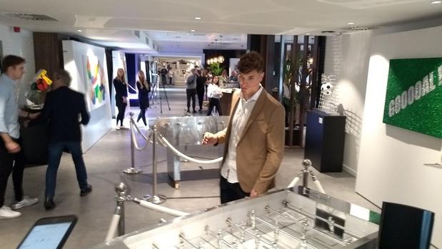 Thomas Meunier présente son projet Play It Art à Anderlecht