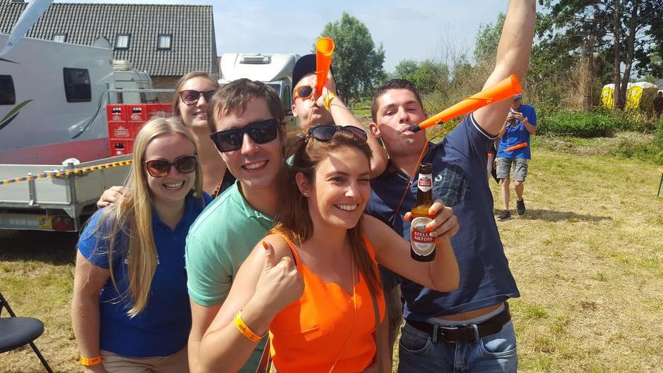 IN BEELD - BK in Gent wordt Forza Lampaertland, supporters massaal op post!