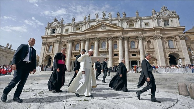 'Het achterhaalde beeld van de Katholieke Kerk over homoseksuele relaties moet dringend op de schop'