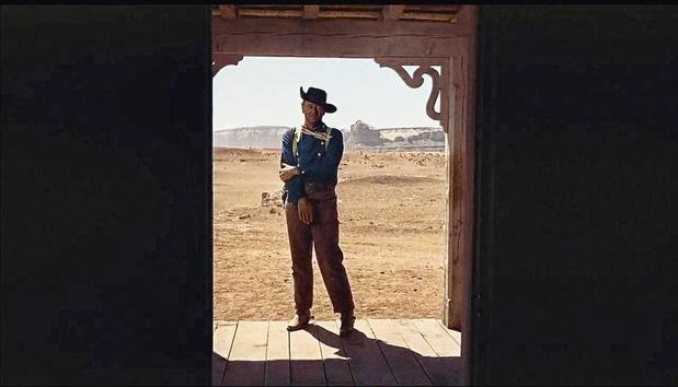 Waarom de deur langzaam dichtvalt achter John Wayne in 'The Searchers'