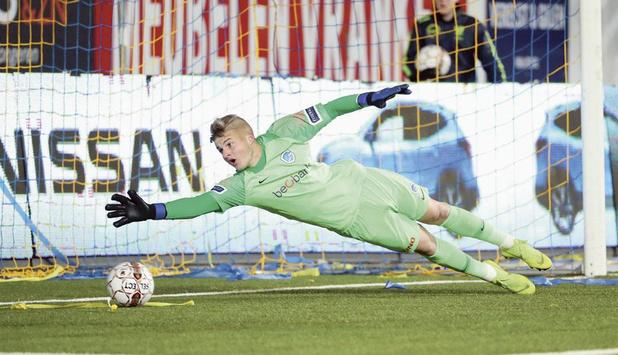 Befaamde keepertrainer Guy Martens legt succesrecept uit: 'Zo veel mogelijk laten meevoetballen'