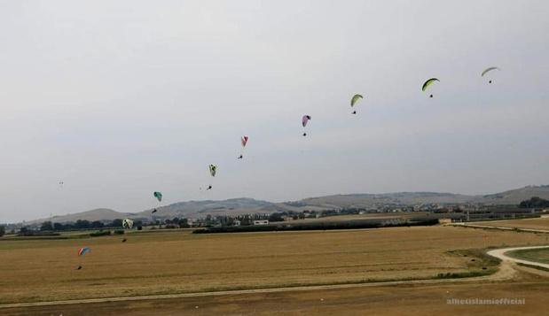 Italiaans record paramotorvliegen voor overleden Lydia Jaecques
