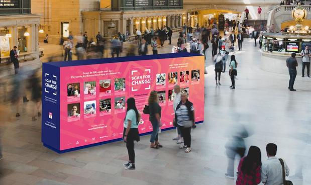 QR-codes voor het goede doel nemen zeven Belgische treinstations in