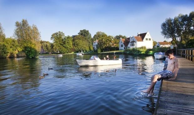 Vlaamse overheid raadt zwemmen in rivieren en beken af
