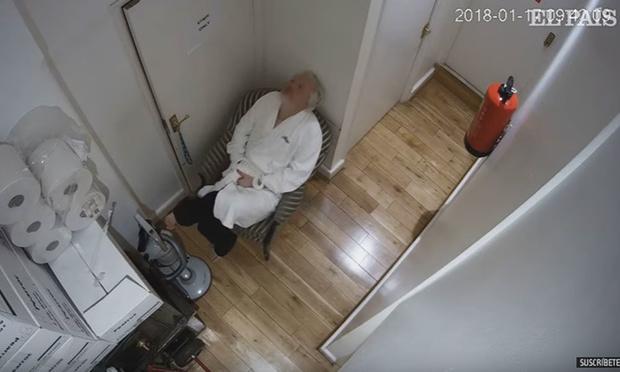 Comment Julian Assange a été espionné 24/24 (VIDEO)