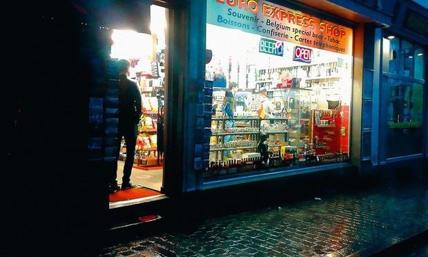 Les magasins de nuit sont les principaux contrevenants aux mesures corona