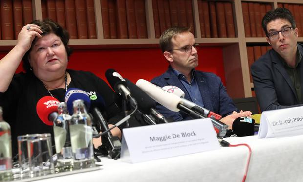 """Un Belge infecté par le coronavirus: """"Le virus est sous contrôle en Belgique"""", selon Maggie De Block"""