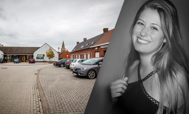 """Ook basisschool Bovekerke rouwt om Charlotte: """"Het is stil aan de schoolpoort"""""""